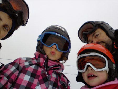 Nueva actividad para realizar en familia: ¡¡ESQUIAR!!