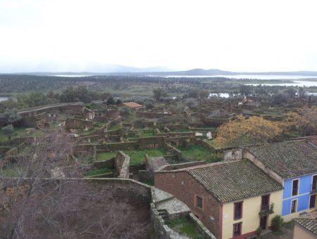 Granadilla, un pueblo abandonado en el embalse de Gabriel y Galán