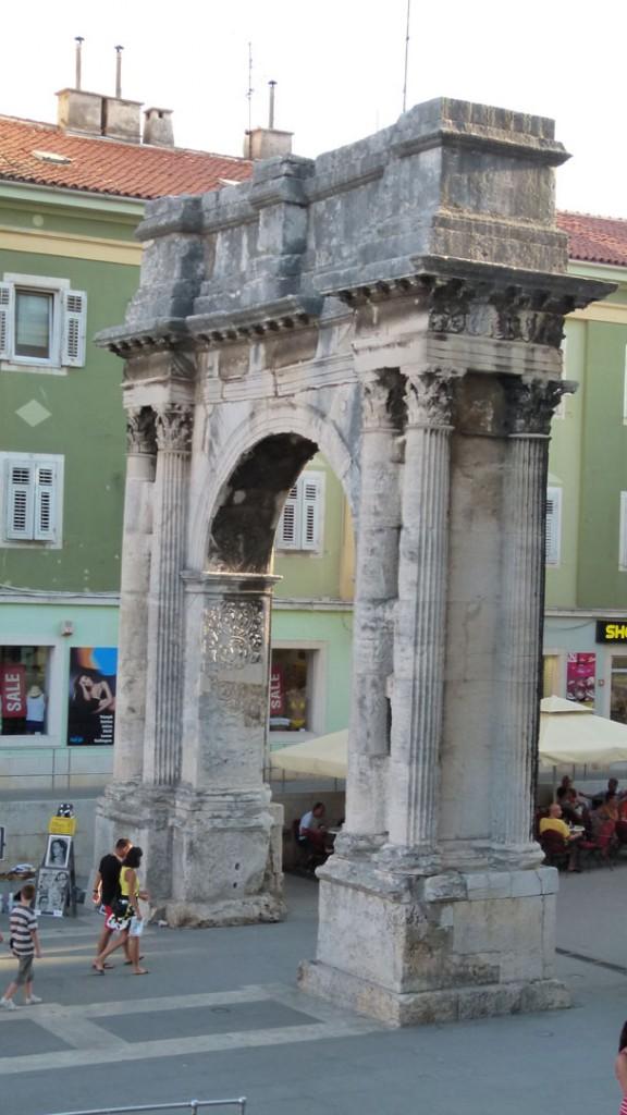 Arco del Triunfo Pula