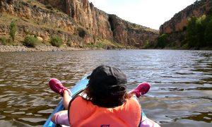 Piraguas con niños en las Hoces del río Duratón