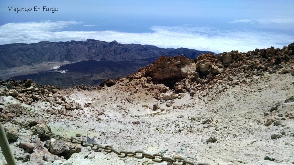El cráter del Teide. ¡Vaya olor a azufre!