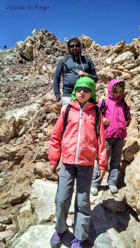 Viajando En Furgo montañeros en el Teide
