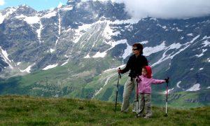 Cómo hacer senderismo con niños y no morir en el intento
